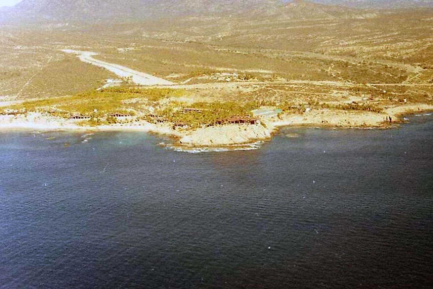 hotel-cabo-san-lucas-2905 ft air-strip-1988-peterman-2