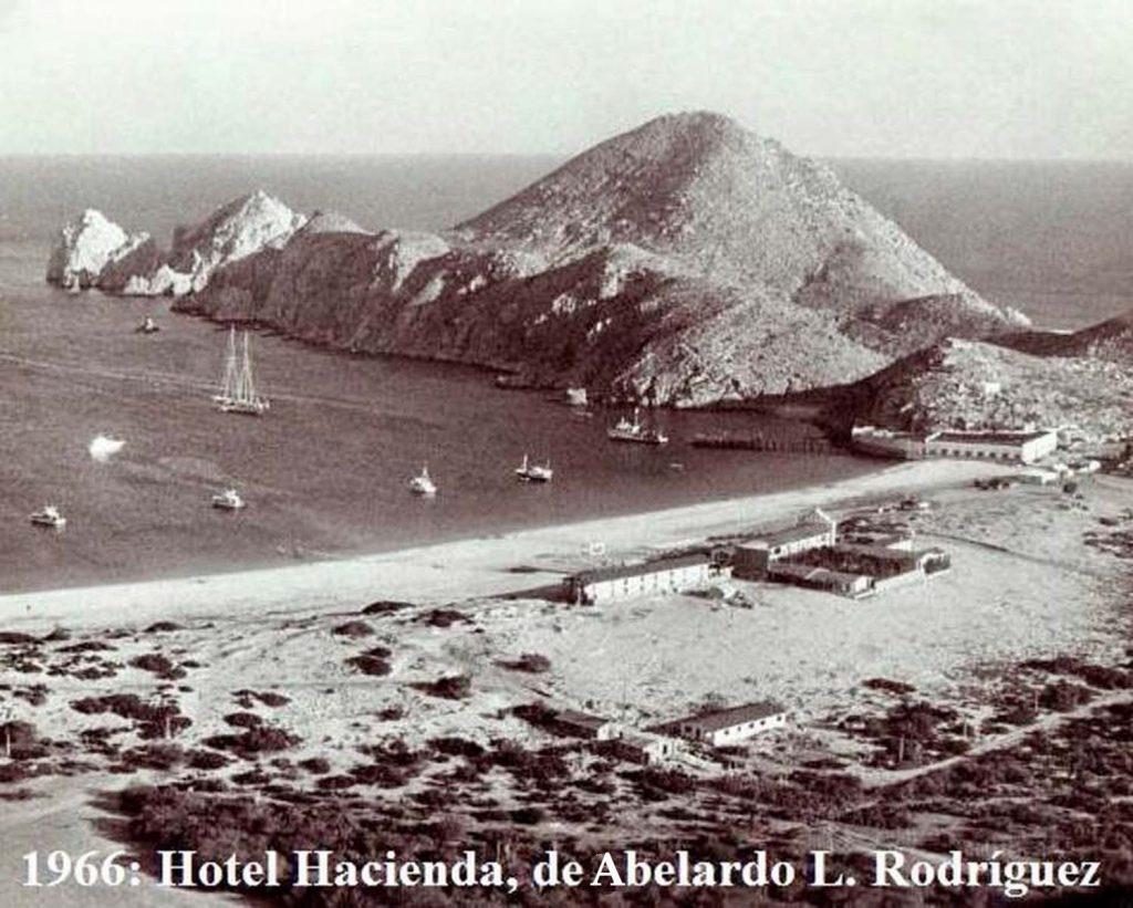 1966-hotel-hacienda-de-abelardo-l-rodriguez-photo-wilkes-ritchie-x2