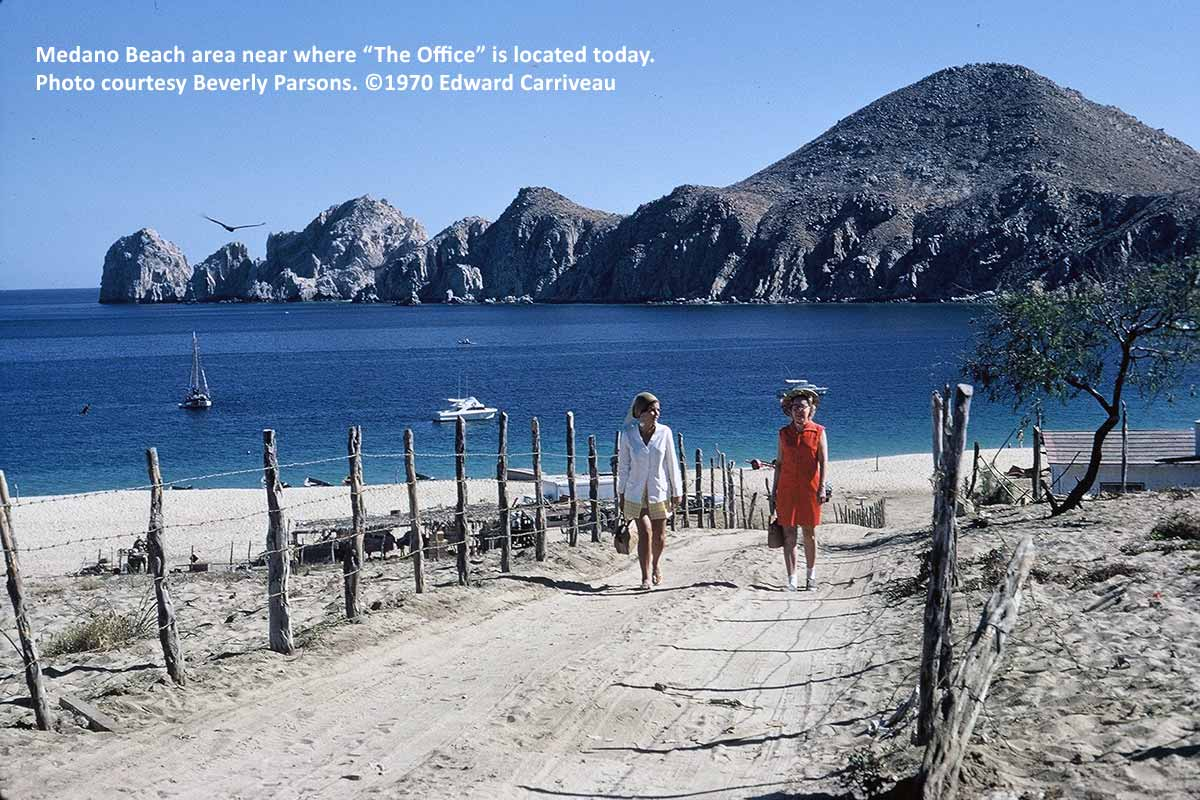 medano-beach-the-office-location-cabo-1970-carriveau